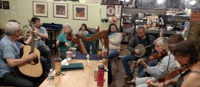 McDermott's Handy: Treehouse Session